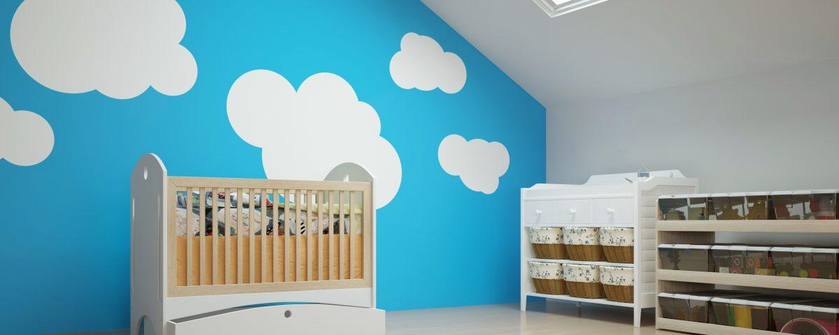 Tapety do pokoju dziecka - Kinderzimmer im Dachgeschoss mit Babybett